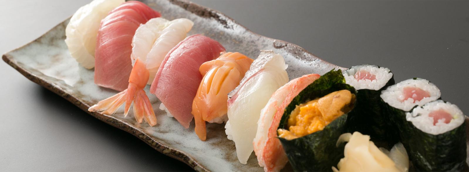 三陸直送の新鮮な魚介類を使用した「寿司」